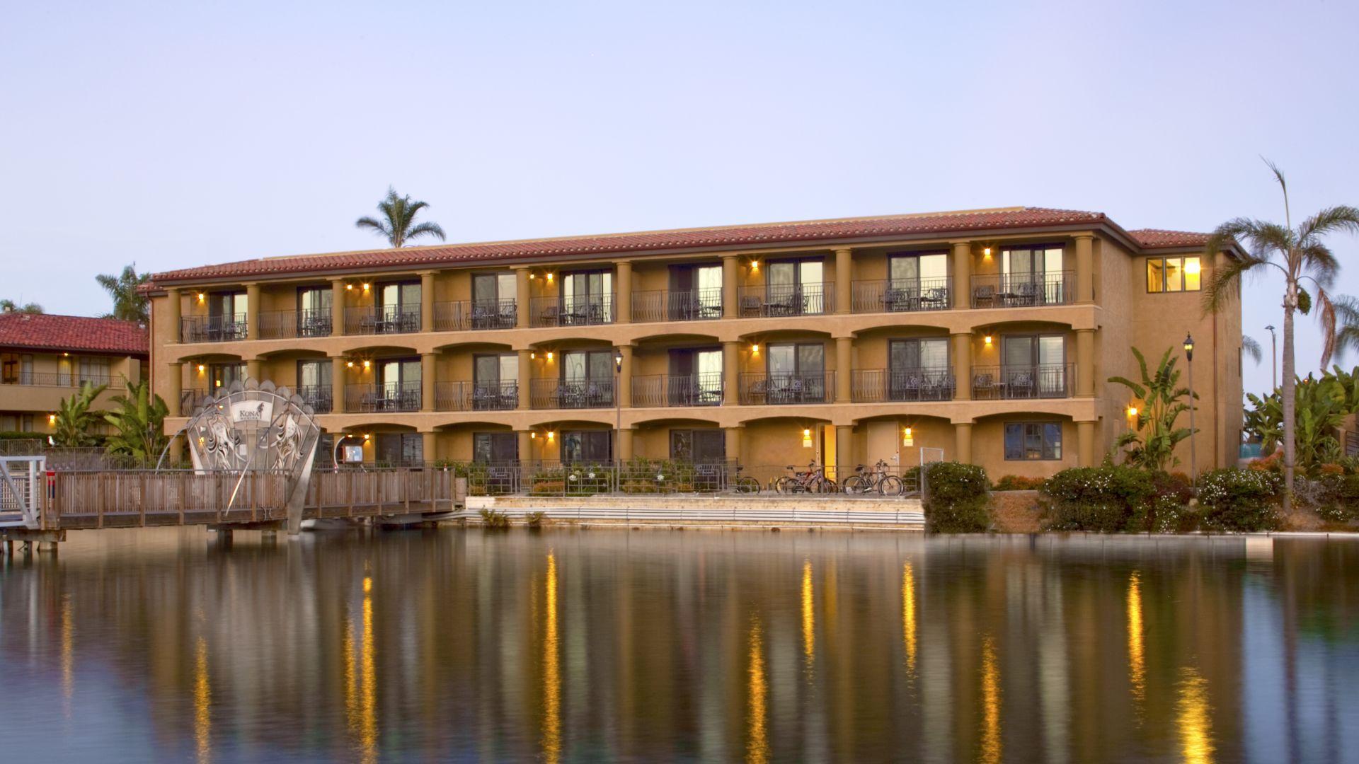Shelter Island Hotel | Best Western PLUS Island Palms Hotel